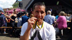 Ronny stolz über seine Goldmedallie bei Olympia Monschau 2016